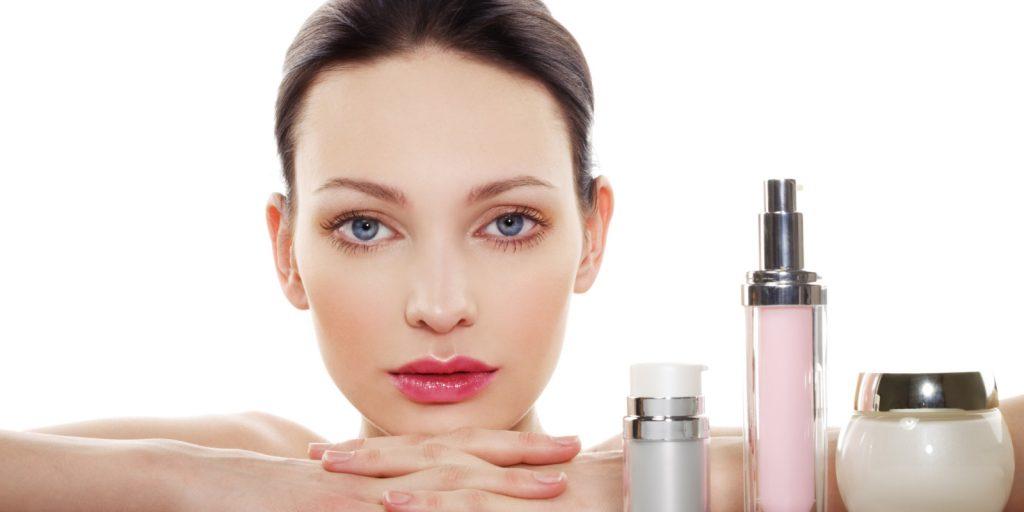 زمان مناسب استفاده از محصولات مراقبت از پوست در یک شبانهروز