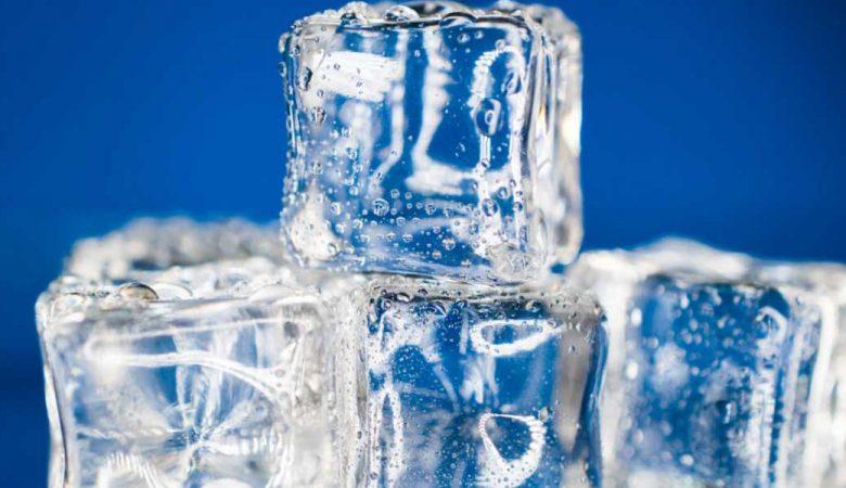 فواید استفاده از یخ برای پوست