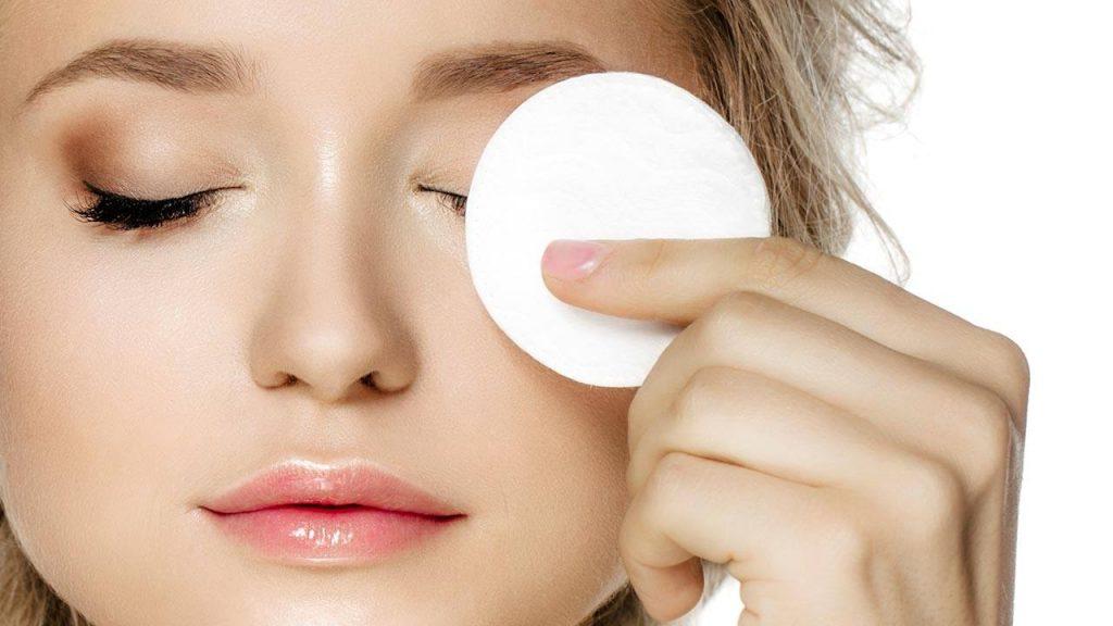 پاک کننده آرایش چشم مناسب